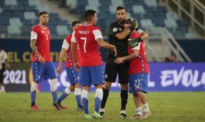 Futbolistas chilenos rompen burbuja de la Copa América y serán sancionados