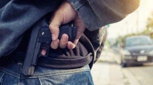 Desconocidos asaltan banca; hieren señora de disparo y roban casi RD$2.0 millones