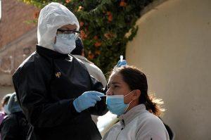 Según Gobierno, casos de Covid cayeron un 20 % en la última semana en Bolivia