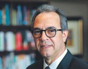José Mármol es elegido miembro de la Academia Dominicana de la Lengua