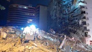 Al menos un muerto en edificio parcialmente derrumbado en Miami Beach