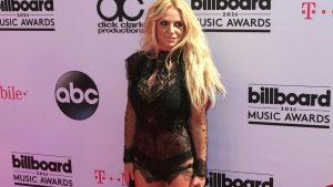 Britney Spears revela que su padre la obliga a llevar un DUI para que no tenga más hijos