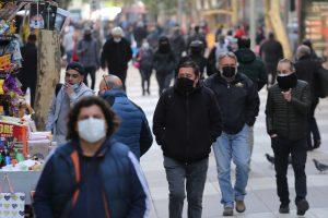 Chile suma veinte días con una tasa de positividad inferior al 5 %