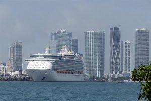 Corte de apelaciones da la razón a Florida y levanta restricciones a crucero