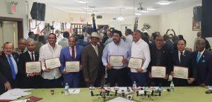 Delegación de alcaldes RD visita al concejal y reverendo Díaz en El Bronx
