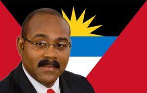 Funcionarios en Antigua y Barbuda protestan contra la obligación de vacunarse