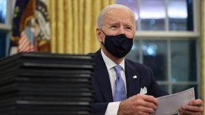 El FMI cree que los planes de Biden auparán más de lo previsto el PIB de EEUU