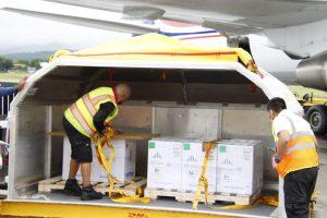Panamá recibe otro lote de 456.300 dosis de la vacuna Pfizer contra la covid