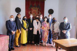 Diputada de Ultramar encabeza visita guiada a Museo de las Casas Reales para conocer libro de legado italiano