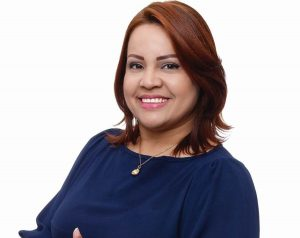 Excandidata a diputada Karen Serrata renuncia del PRD
