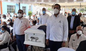 Autoridades y munícipes despiden con actos fúnebres al fallecido alcalde de Vicente Noble, Savín