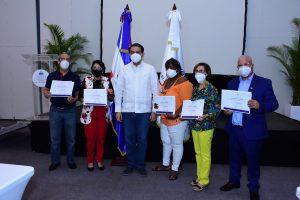 """Salud Pública clausura 1er simposio """"Gestión de Salud en Tiempos de COVID-19"""""""