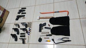 Autoridades desarticulan supuesta banda de asaltantes y ocupan armas de fuego en Santiago