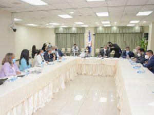 Comisión de senadores rendirá informe favorable sobre Código Penal sin causales
