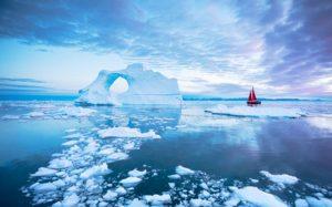 """Ola de calor provoca deshielo """"masivo"""" y récord de temperatura en Groenlandia"""
