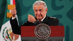 """López Obrador dice demanda por tráfico de armas es """"respetuosa"""" con EE.UU."""