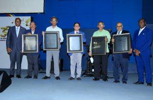 UNEV reconoce a miembros fundadores en 35 años de vida institucional