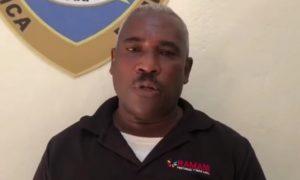 (VIDEO) Padre de asaltante  de farmacia pide a su hijo entregarse