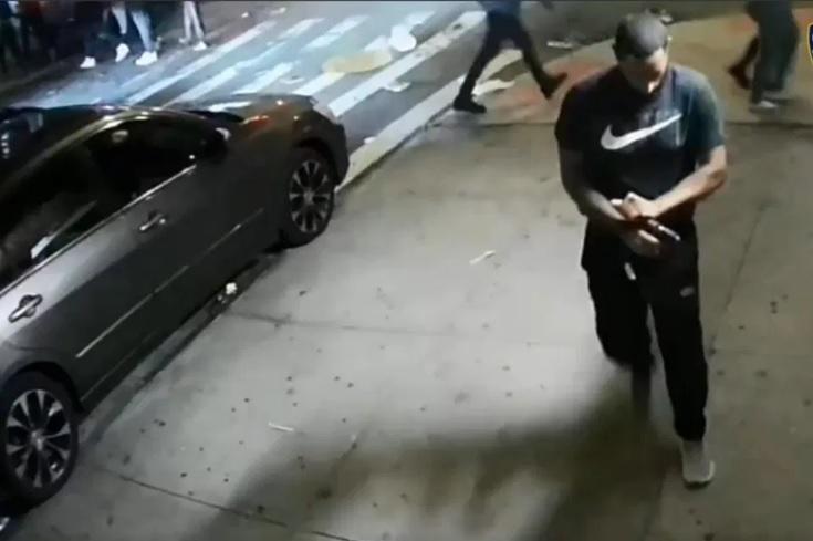 https://nuevodiario-assets.s3.us-east-2.amazonaws.com/wp-content/uploads/2021/09/13035722/Dispara-a-mansalva-en-Alto-Manhattan-policia-ofrece-3500-dolares-por-informacion.jpg