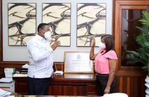 SRSM juramenta directora Centro de Atención Primaria en Salud Especializada Zona F en SDO