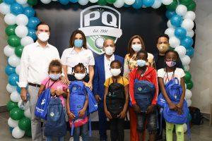 Fundación PQ entrega útiles escolares