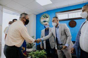 CEO de empresa dominicana sostiene encuentro con primer ministro de Belize