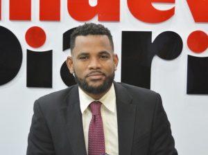 """(VIDEO) Periodista sostiene sistema partidario dominicano """"está muy podrido"""""""