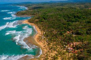 Panamá vacunará a turistas desde octubre y será pionero en Latinoamérica