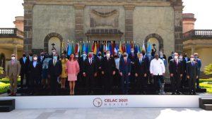 Presidentes de Perú, Ecuador y Uruguay llegan a México para cumbre de Celac