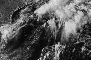 La tormenta tropical Odette prosigue su ruta en el Atlántico rumbo a Canadá