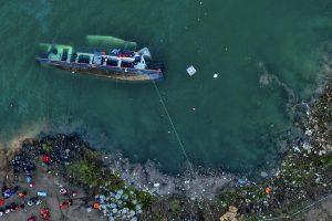 Al menos 8 muertos y 7 desaparecidos al volcar un barco en China