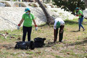 Ayuntamiento de SDE se une ajornada por Día Nacional de la Limpieza de Costas