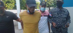 Atrapan en Barahona hombre acusado de matar a dos personas y herir a una tercera en Los Girasoles