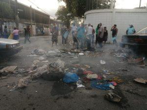 (VIDEO) Residentes en Villa Germán protestan en reclamo Alcaldía SDN arregle calles
