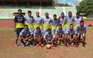 Disfarmaco dona uniformes deportivos al Club Cristo Rey F. C.