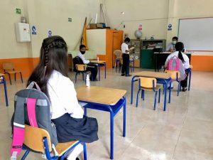 El 25 % de los colegios en Ecuador están en actividad presencial