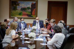 Senadores tratan con representantes de AFP entrega de ahorros a parientes de contribuyentes fallecidos