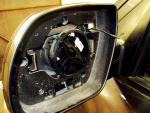 Autoridades desmantelan banda que robaba piezas de vehículos a dealers de La Vega