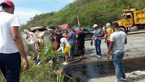 Triple choque deja un muerto y dos heridos en carretera Puerto Plata-Navarrete