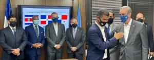 Eric Adams se reúne en oficina Misión RD ante la ONU con líderes latinoamericanos