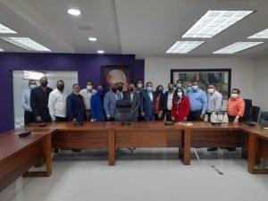 Danilo Medina en reúne con dirigentes de Valverde y Santiago Rodríguez