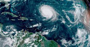 La tormenta tropical Sam continúa fortaleciéndose en aguas del Atlántico