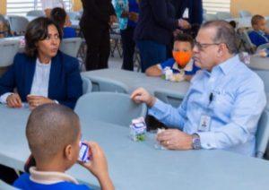 Director INABIE supervisa calidad desayuno escolar que sirven en centros educativos