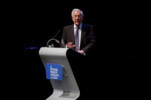 Vargas Llosa dice que la literatura es un contrapeso en países sin libertades
