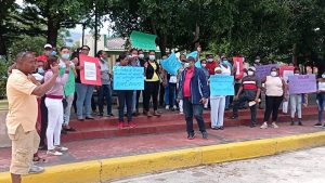 Comunitarios de El Cercado protestan frente al Ayuntamiento por varias reivindicaciones