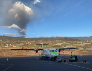 Cancelan todos los vuelos a La Palma por la erupción del volcán Cumbre Vieja