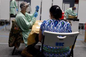 Comienza en Puerto Rico la inoculación de tercera dosis a mayores de 65 años