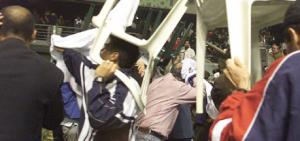 (VIDEO) Partido de baloncesto termina a ritmo de sillazos y trompadas en Los Alcarrizos
