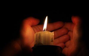 Moradores en Puerto Plata dicen no poder dormir por la falta constante de energía eléctrica en la noche