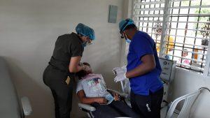 Decenas de personas se benefician de operativo odontológico en La Mina de Yamasá